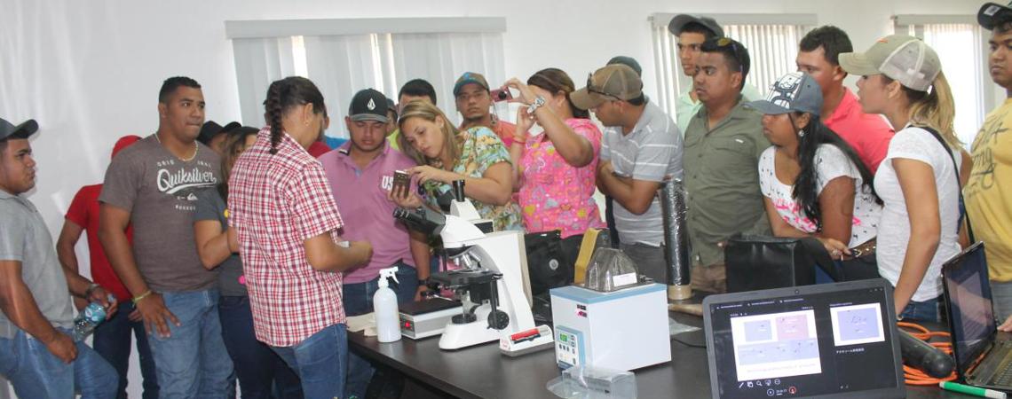 Laboratorio de biotecnología animal del IDIAP apoya educación