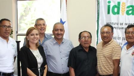 Encuentro de Directivos de IDIAP con líderes de la comarca Guna Yala